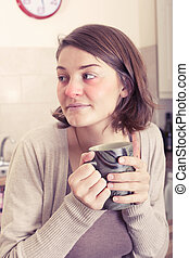 mulher jovem, com, gelado