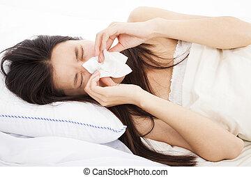 mulher jovem, com, gripe, e, colocar cama