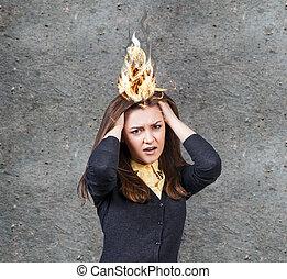 mulher, jovem, dor de cabeça