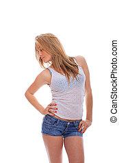 mulher jovem, em, calças brim, shorts