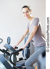 mulher, jovem, equitação bicicleta, retrato, exercício