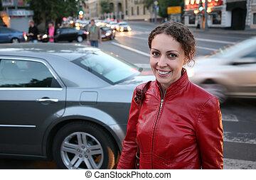 mulher jovem, ligado, rua