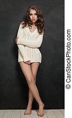 mulher jovem, modelo moda, posar