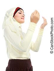 mulher jovem, orando