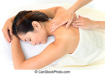 mulher jovem, recebendo, massagem