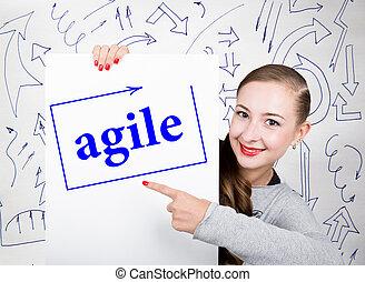 mulher jovem, segurando, whiteboard, com, escrita, word:, agile., tecnologia, internet, negócio, e, marketing.