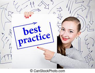 mulher jovem, segurando, whiteboard, com, escrita, word:, melhor, practice., tecnologia, internet, negócio, e, marketing.