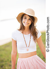 mulher, jovem, sol, ao ar livre, hat., bonito
