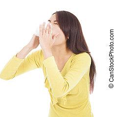 mulher jovem, tendo, gripe, ou, alergia, e, soprando, em, tecido