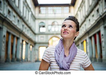 mulher jovem, turista, sightseeing, em, florença, itália