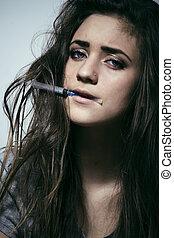 mulher, jovem, viciado drogas