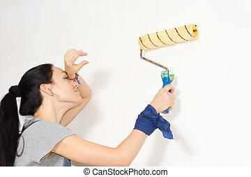 mulher, limpar, dela, testa, como, ela, tintas, um, parede