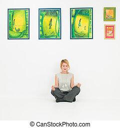 mulher, loto, museu, meditar, jovem, posição
