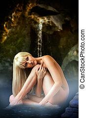mulher, loura, sentando, água, lagoa, excitado