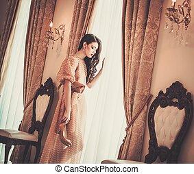 mulher, luxo, casa, janela, interior