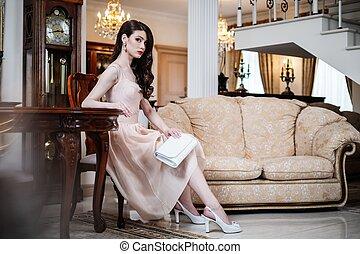 mulher, luxo, casa, jovem, interior, bonito
