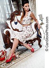 mulher, luxo, escolher, sapatos, interior, lar, bonito