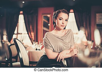 mulher, luxo, sozinha, jovem, interior, restaurante, bonito