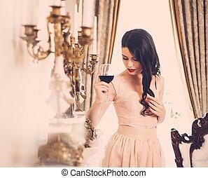 mulher, luxo, vinho casa, jovem, lareira, vermelho, interior, vidro, bonito