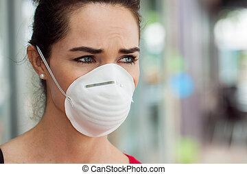 mulher, máscara desgastando, em, city.