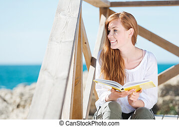 mulher, mar, livro, relaxante