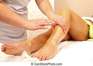 mulher, massagem, obtendo