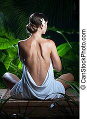 mulher meditando, jovem, meio ambiente, spa, trópico, agradável, vista