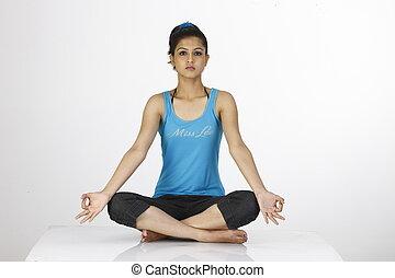 mulher meditando, pose, sentando