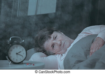 mulher, mentindo, cama
