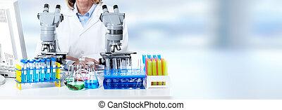 mulher, microscópio, trabalhando, doutor