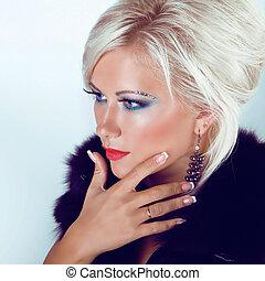 mulher, moda, beauty., noite, loura, make-up., jóia, bonito, foto