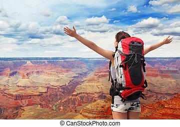 mulher, montanha, hiker, em, garganta grande