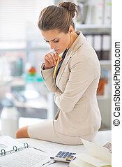 mulher negócio, trabalhando escritório