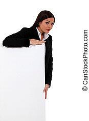 mulher negócios fica, atrás de, um, branca, sinal