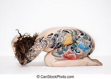 mulher nua, tatuado