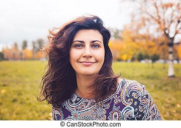 mulher, outono, parque, outono, ao ar livre, retrato, feliz