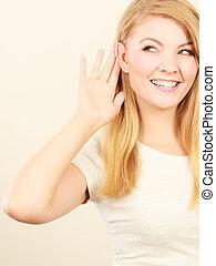 mulher, ouvir, melhor, orelha, pôr, mão