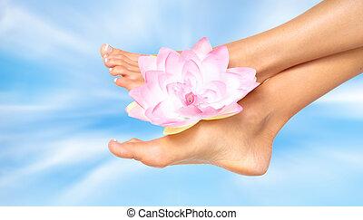 mulher, pés, com, flower.