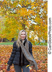 mulher, parque, outono, bonito