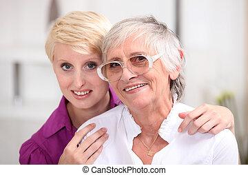 mulher, posar, com, dela, idoso, mãe