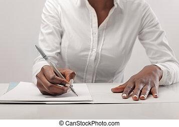 mulher preta, escreve