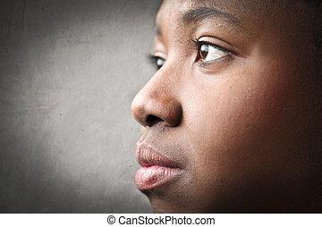 mulher preta, perfil
