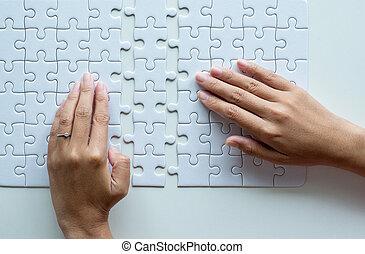 mulher, quebra-cabeça, jigsaw, solução, pedaços, cor, modelo, mãos, grade, branca, mosaico