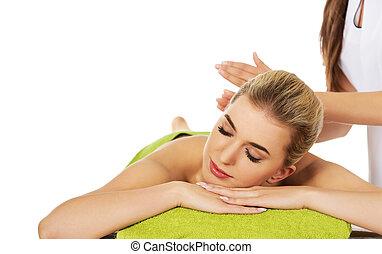 mulher, relaxado, jovem, massage., mentindo, tabela, tem, massagem