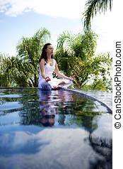 mulher relaxando, em, um, paraisos , vista mar