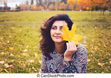 mulher, romanticos, parque, outono, ao ar livre, retrato