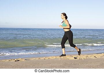 mulher, roupa, jovem, executando, condicão física, ao longo, praia