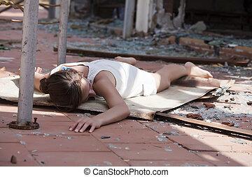 mulher, rua, inconsciente