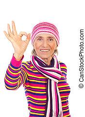 mulher sênior, tricote, roupas inverno