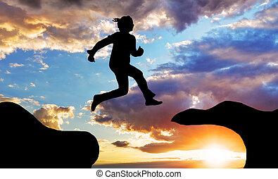 mulher, salto, sobre, desfiladeiro